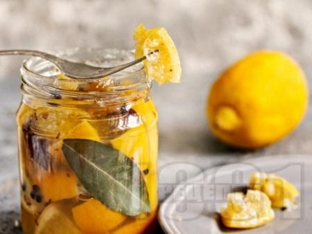Туршия от лимони с ароматни подправки - снимка на рецептата